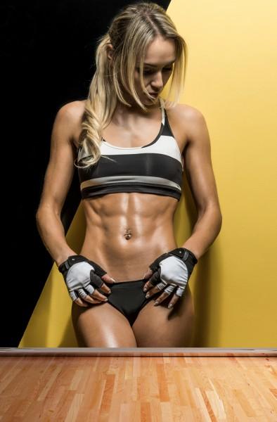 Vlies Tapete XXL Poster Fototapete Sport Fitness Lady Sixpack in Shape