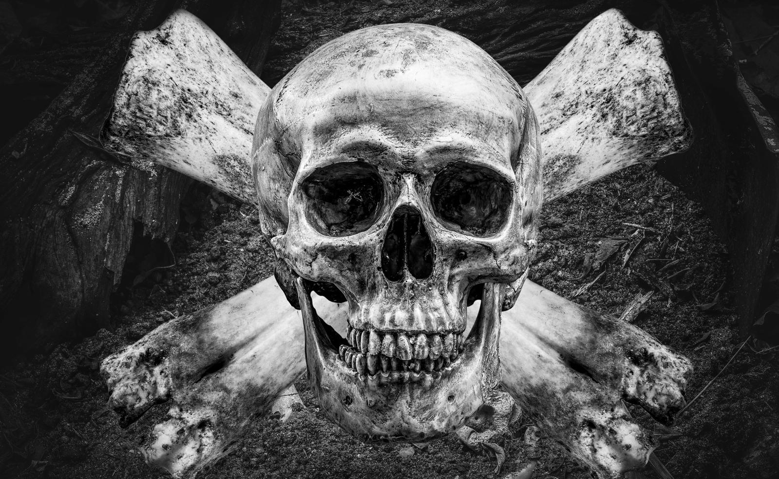 Couchtisch Tisch Totenkopf Knochen Skull